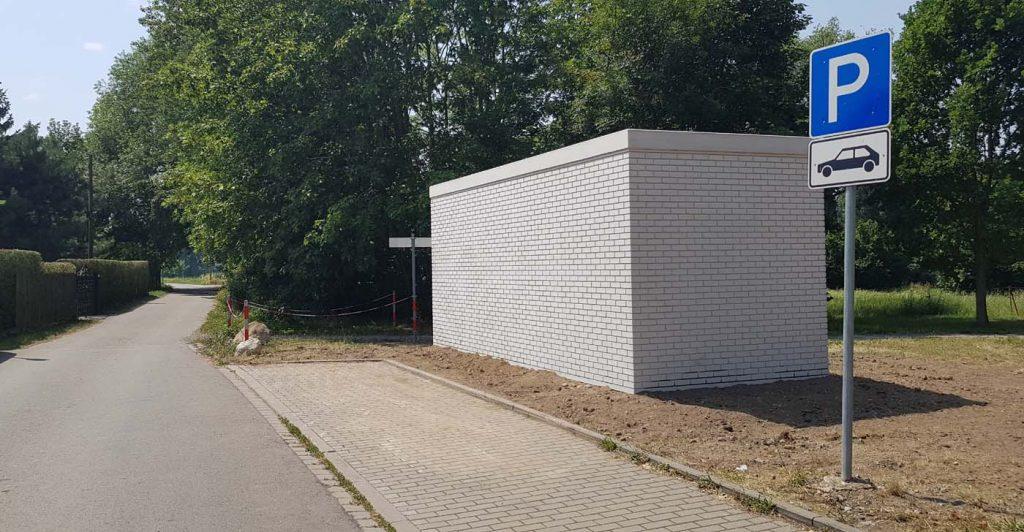 Der Hauptverteiler in Panitzsch hat Garagenformat. Foto: André Dreilich